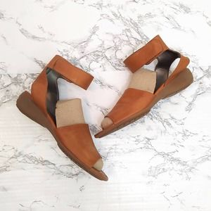 The Flexx Tan Leather Sandals
